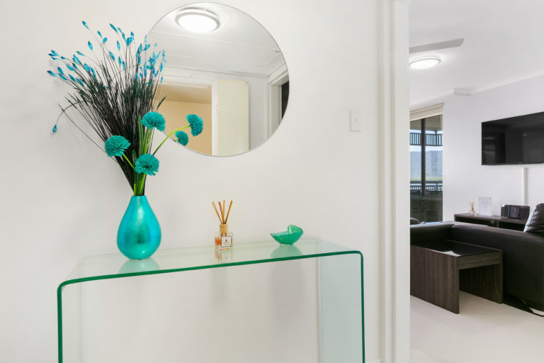 Cairns Luxury Seafront Apartment Entry