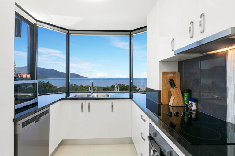 Cairns Luxury Seafront Apartment Kitchen