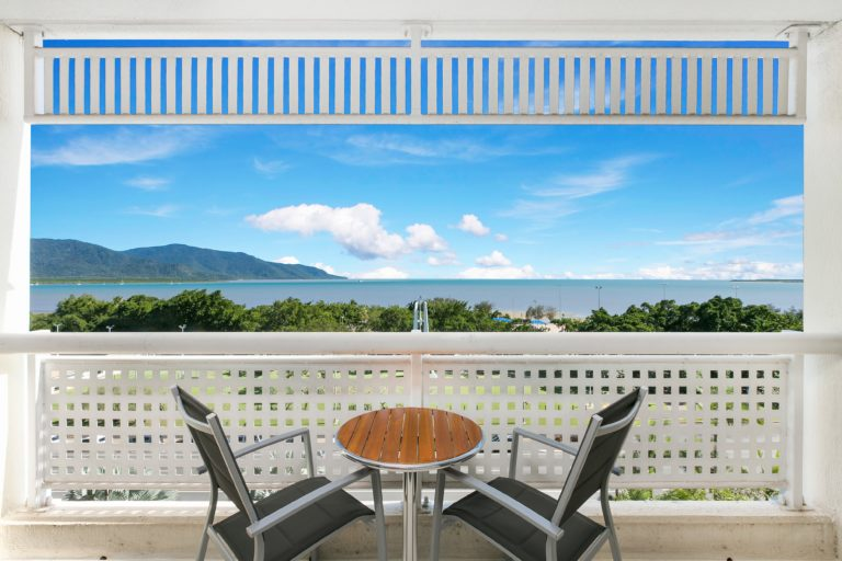 Cairns Luxury Seafront Apartment Second Balcony