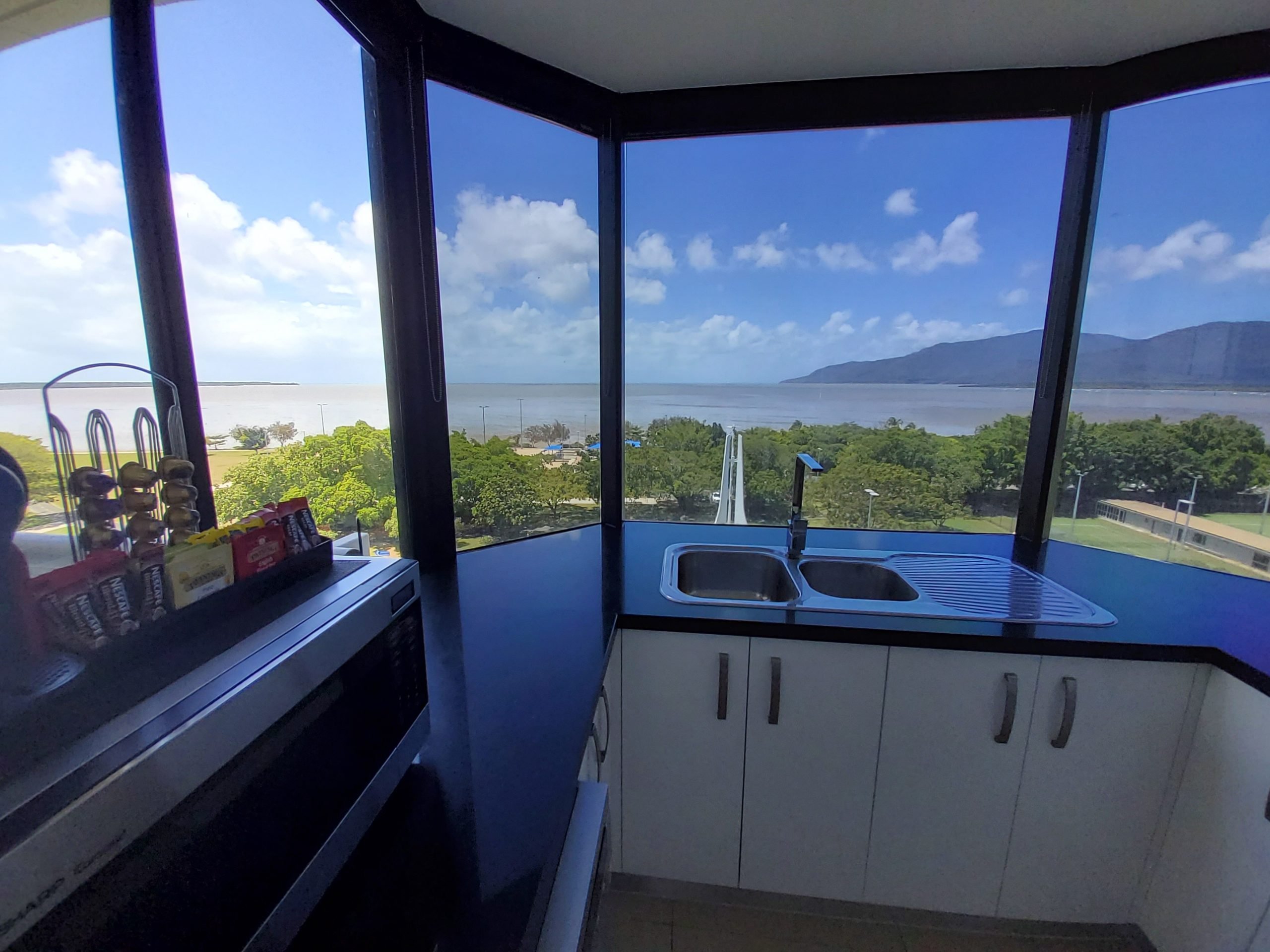 Cairns Luxury Waterfront Apartment Kitchen