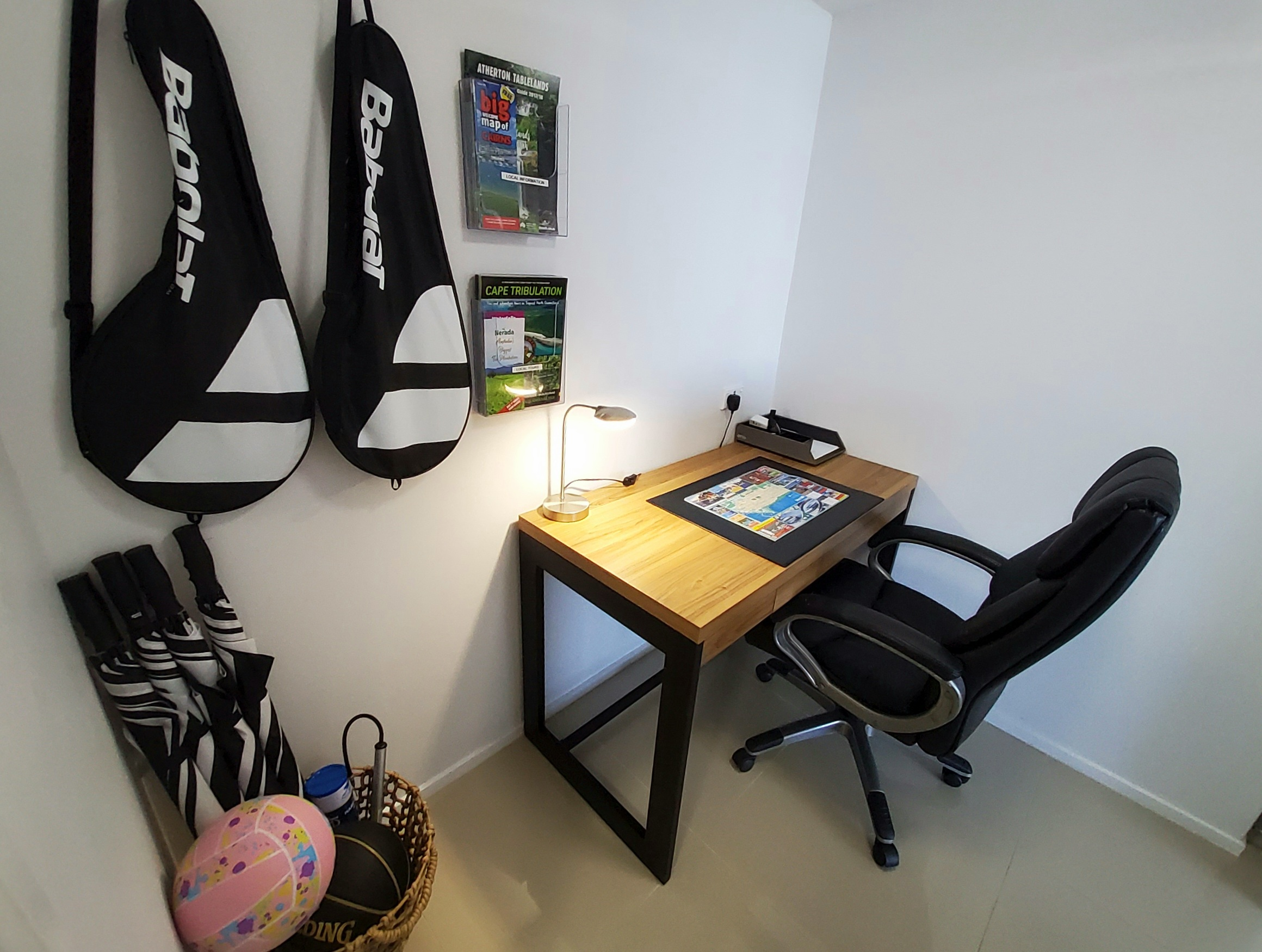 Cairns Luxury Waterfront Apartment Office and Sport