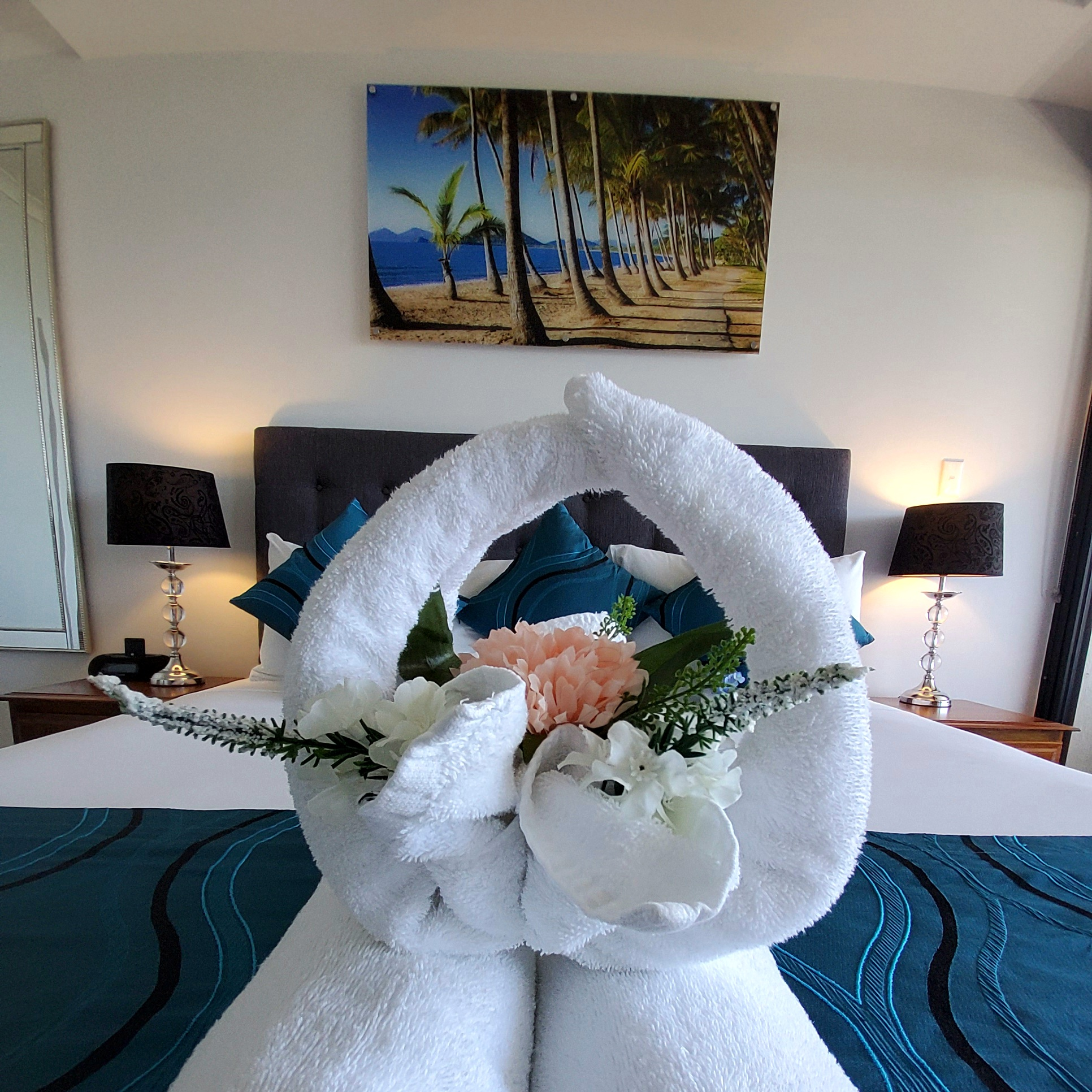 Cairns Luxury Waterfront Apartment Bed